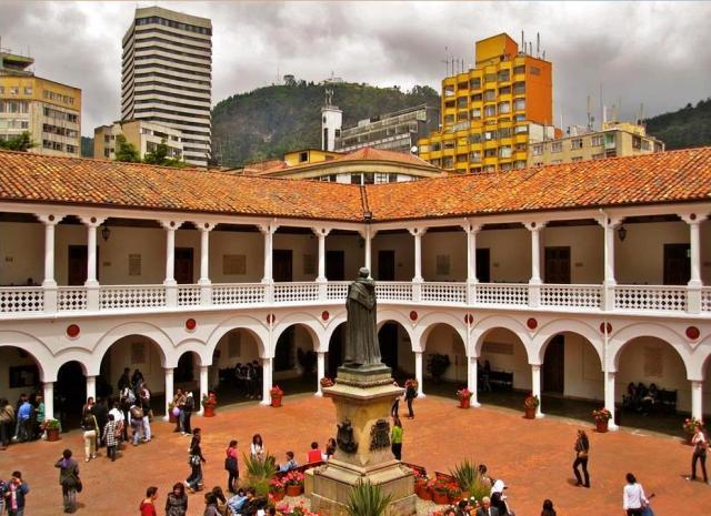 Claustro de la Universidad del Rosario, Bogotá, Colombia.