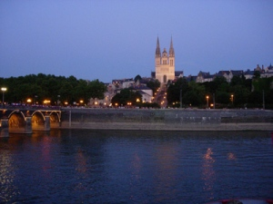 Angers_cathedrale_nuit2