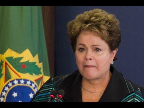 Dilma Rousseff chorando ao receber o Relatório da Comissão Nacional da Verdade